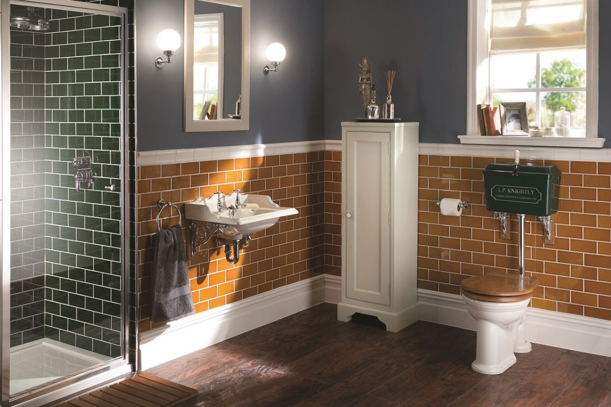The iconic 814 model cistern by Thomas Crapper