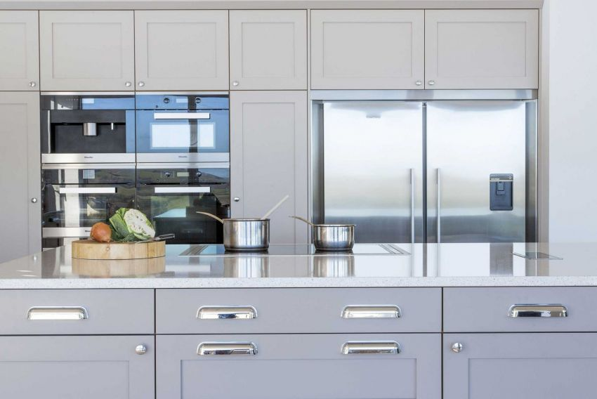 Coastal style kitchen by Treyone - worktops and units