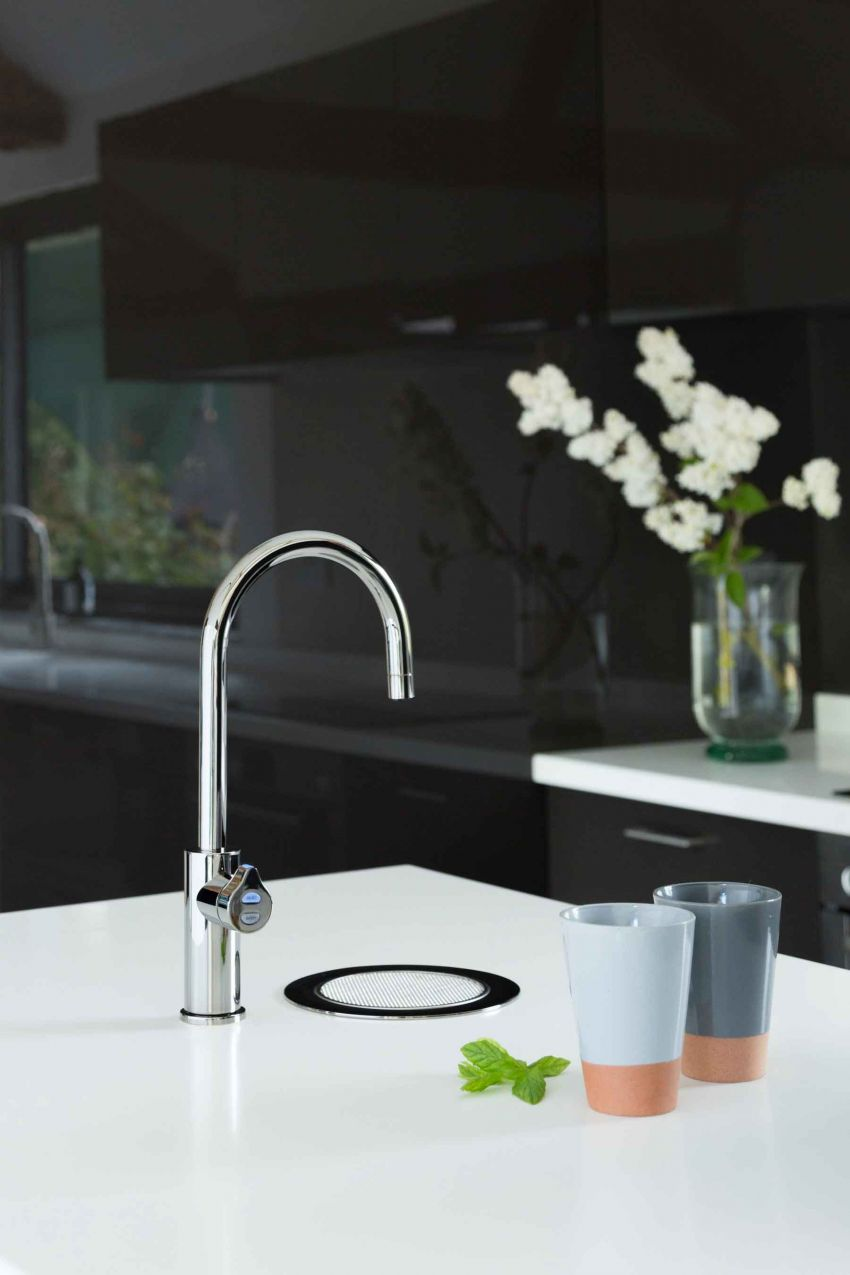Zip HydroTap Arc in platinum